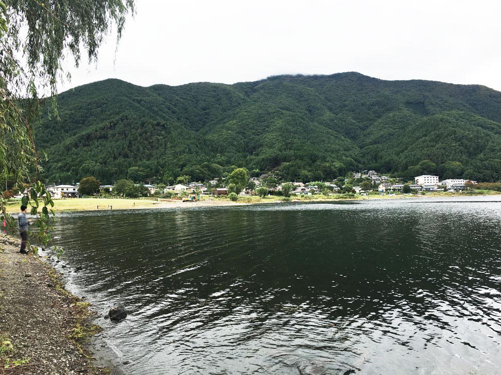 河口湖でバス釣り
